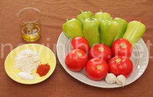 Пържени чушки с доматен сос - продукти