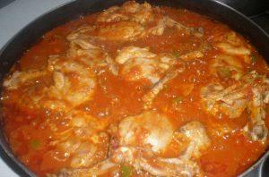 пилешки бутчета с домати