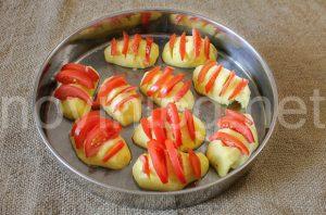 Картофени миди - картофи и домати в тавата