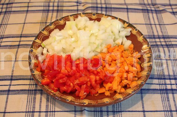 Постен боб - продуктите са нарязани