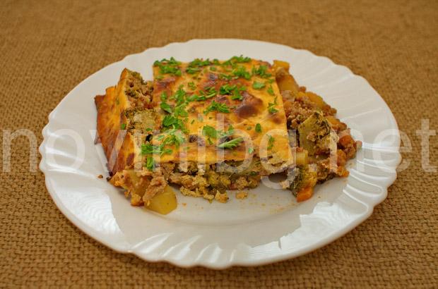 Мусака с кайма и броколи - добър апетит